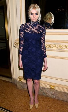 vestido de renda manga longa e longo azul marinho - Pesquisa Google