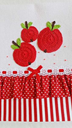 Kitchen Kit, Applique Quilts, Kids Rugs, Diy, Home Decor, Crochet Dishcloths, Dish Towels, Towel Crafts, How To Make Crafts