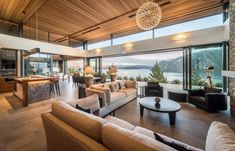 Stay at The Dacha in Wanaka on the South Island of New Zealand #luxury #travel #luxurytravel #5star