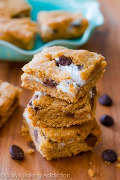 Easy S'more Cookie Bars - such an easy variation of a s'more.  Graham cracker cookie layer with marshmallow creme and chocolate chips.