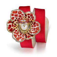 Sicis O'Clock Gardenia collection made of gold, diamonds and precious stones, as well as micro- and nano-mosaic