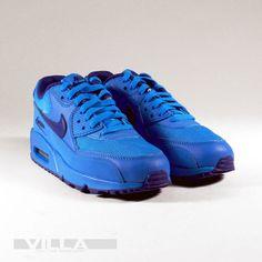 Blue'd out Nike Air Max 90 just for kids. Kids Sneakers, Air Max Sneakers, Sneakers Nike, Air Max 90, Nike Air Max, Photo Blue, School Photos, Royal Blue, Footwear
