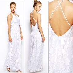 Beautiful dress! Can be used as wedding dress aswell as casual :)