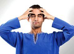 """BHRAMARI PRANAYAMA. Respiración de la abeja o tranquilizante.  Bhramari es un ejercicio respiratorio que tiene como principal objetivo el inducir un estado meditativo, que facilite la audición del sonido interno, """"Nada"""". Es una práctica básica dentro del esquema de Nada yoga o yoga del sonido."""
