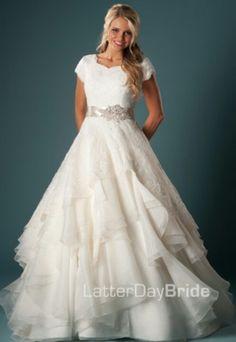 Esmeralda Wedding Gown  Latter Day Bride. I loveeeeee this dress!!!!