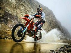 KTM 300 2t exc  #ktm #exc #300 #2t #2stroke #redbull #enduro #motocross #cross #braap #motorcycle #motorbike #motorbiker #biker #love #gopro #water #wheelie #race #racing #men #supermoto #bikeboobs #bikeporn