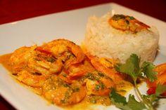 J'ai choisi une recette de crevettes facile à faire et un régal pour les papilles. La cuisine thaïlandaise est une cuisine riche et d'une très grande diversité. C'est un mélange des influences des cultures de l'Asie du Sud-Est. C'est une cuisine très parfumée et relevée.