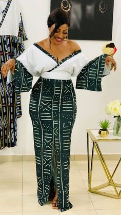 African Prom Dresses, Latest African Fashion Dresses, African Dresses For Women, African Print Fashion, Africa Fashion, African Attire, African Print Skirt, African Traditional Dresses, Looks Chic