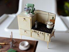 1920's Miniature Stove - Dollhouse Miniature