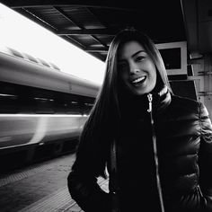 .@Nikki Riemann-Gillette (Nikki Gil) 's Instagram photos  Gorgeous Chick