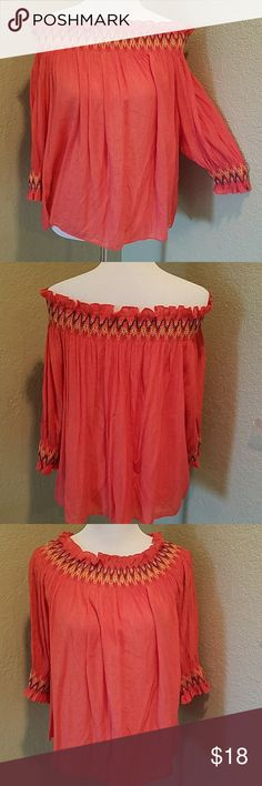 Off-the-shoulder top Item is new without tags and has never been worn. Really cute, can be worn off or above the shoulders. Pastels Clothing Tops