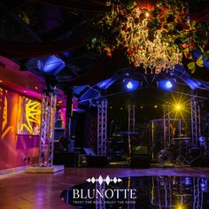Preparing the set for a party at CastaDiva Resort & SPA, Lake Como Lake Como, Resort Spa, Neon Signs, Party, Parties