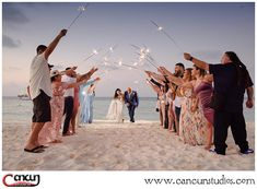 Are you planning a in - Plan a beautiful exit with your for an amazing - Cancun Wedding, Destination Wedding, Wedding Sparklers, Wedding Photos, Wedding Photography, How To Plan, Amazing, Beautiful, Marriage Pictures