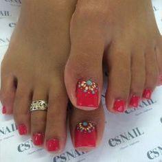 Cool summer pedicure nail art ideas 53