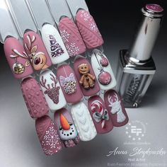 Reszta ekipy ciastka… ⛄️❄️ W roli głównej piękny Gellacco 511 😍 … – The rest of the cake crew … ⛄️❄️ Beautiful Gellacco 511 in the lead role 😍 … – … Cute Christmas Nails, Christmas Nail Art Designs, Xmas Nails, Holiday Nails, Red Nails, Glitter Nails, Christmas Holiday, Christmas Present Nails, Seasonal Nails
