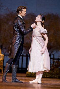 Matthew Golding as Onegin and Natalia Osipova as Tatiana in Onegin ©ROH, 2014. Photo by Tristram Kenton | da Royal Opera House Covent Garden