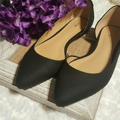 SALE!!! Black flats NIB size 8.5 Brand new black flats.  New in box.  Only tried on. Size 8.5 Apt. 9 Shoes Flats & Loafers