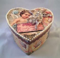 1 Sweet Kiss  thecraftedbox.com