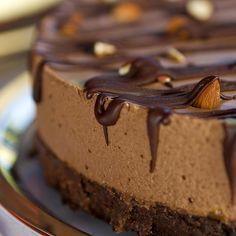Gâteau-mousse au chocolat et aux noisettes   .coupdepouce.com