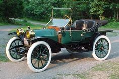 1912 Hupmobile. Note the yellow head lights...