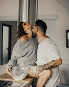 Wish you all a cozy weekend! Couples who cook together stay together! Cute Couples Goals, Couples In Love, Romantic Couples, Love Couple, Couple Shoot, Couple Goals, Relationship Goals Pictures, Cute Relationships, Relationship Quotes