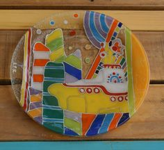Vitrofusion - Fusing - Fused glass Plato redondo playo 24 cm Serie: Yellow Submarine