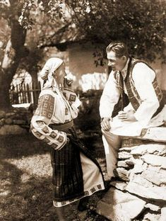 Old Romania – Adolph Chevallier photography – Romania Dacia People Photography, Photography Photos, Michael I Of Romania, Romania People, Romanian Girls, In Another Life, Photo Reference, Beach Trip, Beach Travel