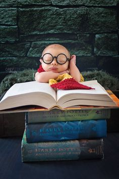 29 Adorable Photos Of Babies Who Already Love Harry Potter Baby Boy Pictures, Newborn Baby Photos, Cute Baby Pictures, Newborn Pictures, Baby Boy Newborn, Cute Babies Pics, Adorable Babies, Cute Babies Photography, Newborn Photography Poses