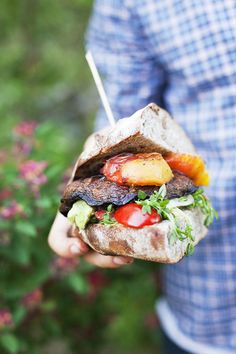 Portobello Burger with Peaches and Salad by greenkitchenstories via designsponge #Burger #Portobella #Vegetarian