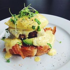 Avocado & Bacon Eggs Benedict
