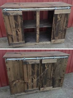 Want high fashion, but the hardware is overpriced? This Sliding Barn Door Style Pallet TV Stand has the solution for about 15 bucks, and it's brilliant! Sliding Barn Door Style Pallet TV Stand: We used several x boards for the frame Barn Wood Tv Stand, Pallet Tv Stands, Tv Stand Rack, Diy Tv Stand, Latest Pallet Ideas, Tv Stand Plans, Tv Board, Pallet House, 1001 Pallets