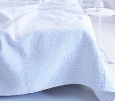 Sprei Pip traditional white studio maat 270 x 265 cm 100 procent katoen accessoires bed romantisch blije mensen bot theo slaapkenner