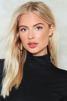 Shades of Blonde: Nasty Gal Nastygal Flat Out Hoop Earrings - . - Shades of Blonde: Nasty Gal nastygal Flat Out Hoop Earrings – - Cheveux Beiges, New Hair, Your Hair, Color Rubio, Natural Makeup Looks, Natural Makeup For Blondes, Simple Makeup, Minimal Makeup, Pretty Makeup