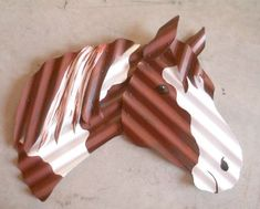 Corrugated metal horse head by Carol Mc Daniel - Metal Art Metal Yard Art, Metal Tree Wall Art, Scrap Metal Art, Metal Artwork, Sheet Metal Crafts, Horseshoe Crafts, Horseshoe Art, Horse Head Wreath, Western Crafts