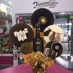 Leftcoastmini: As close to the edge as I can get. College Graduation Gifts, Diy Crafts To Do, Candy Bouquet, Ideas Para Fiestas, Happy B Day, Cookie Designs, Candy Gifts, Gift Baskets, Boy Birthday