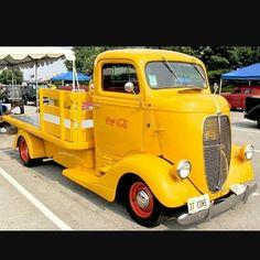 Semitrckn — 1937 Coe Ford classic