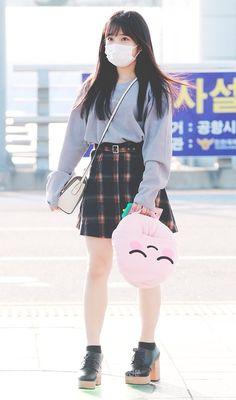 Kpop Fashion, Daily Fashion, Korean Fashion, Girl Fashion, Fashion Outfits, Airport Fashion, Fashion Idol, Yuri, Kpop Mode