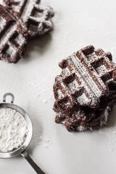 Belgian Brownie Waffles – Is it a dessert or is it breakfast? // via edible perspective Just Desserts, Delicious Desserts, Dessert Recipes, Yummy Food, Tasty, Crepes, Brownie Waffles, Yummy Treats, Sweet Treats