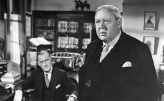 Witness for the Prosecution Charles Laughton.Brogan-Moore: Touching isn't it? The way he counts on his wife. Sir Wilfrid: Yes, like a drowning man clutching at a razor blade. Hollywood Actor, Golden Age Of Hollywood, Classic Hollywood, Old Hollywood, Actor Picture, Picture Photo, Top 10 Films, Witness For The Prosecution, Drama Film