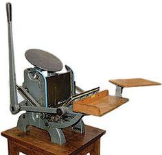 Antique Kelsey Excelsior Table Top Letterpress Printing Press 3x5