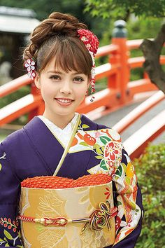 Japanese Hairstyles, Yukata, Oriental, Kimono, Traditional, My Favorite Things, Hair Styles, Clothes, Dresses