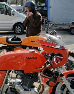The best stuff for a cool ride ;-)  #laverda #ducati #750sfc #replica #3c #bevel #750sport #motoofficina #italianmotorcycle