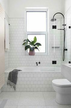 Efficient small bathroom shower remodel ideas (39)