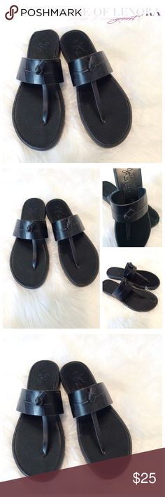 JOIE A LA PLAGE Leather Thong Sandals Heel height: .75 inch // fabric: leather//condition: very good. Thank you for looking. Joie A La Plage Shoes Flats & Loafers