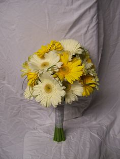 yellow gerber daisy wedding bouquets | ... Powell » White and yellow gerbera daisy bouquet»Carrie Anne Powell