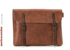 Aunts & Uncles Cleverdick portfolio bag.  Love the name of this bag!  Unfortunately, like all A bags, it has nice leather but fake buckles. Why?