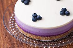 華やかうっとり♪ 2層仕立てのいちごチーズケーキ Blueberry Sauce, Blueberry Cheesecake, Pie Mold, Fresh Cream, Japanese Food, Japanese Recipes, Sweets Recipes, Melted Butter, Sweet Tooth
