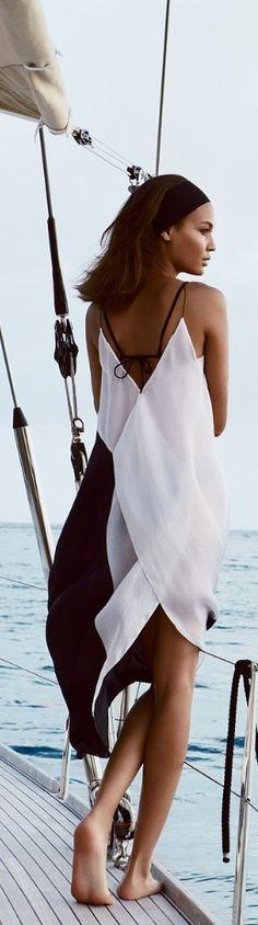 Suspiros eternos por esse vestido-saída de praia. Inspire-se mais em www.eugosto.de