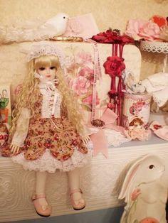 Oh my, yes! Lolita decor!