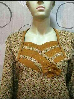 Cuellos y Escotes. Salwar Neck Patterns, Neck Patterns For Kurtis, Salwar Neck Designs, Neck Designs For Suits, Neckline Designs, Dress Neck Designs, Kurta Designs, Sleeve Designs, Girls Blue Dress